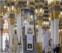 220 جهاز تعقيم يدوي يعمل بنظام مستشعر للحركة في ساحات المسجد النبوي