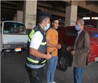 حملات مكثفة بالقليوبية لإزالة السيارات المخالفة لأماكن الانتظار
