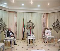 رئيس الوزراء السوداني يبحث مع وزير الخارجية الجزائري الأوضاع في المنطقة