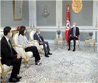 الرئيس التونسي: مسؤول بأحد الأحزاب أعطى أموالًا لشبان للقيام بأعمال نهب