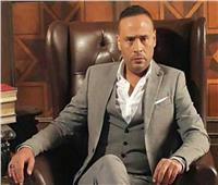 محمود عبد المغني يتقمص شخصية الكينج محمد منير
