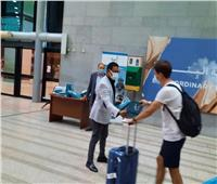 استقبال أولى رحلات الطيران العارض من إسبانيا للأقصر بالورود