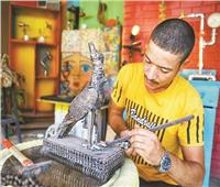 إبراهيم صلاح فنان نحت يصنع من الخردة تماثيل