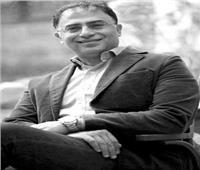 الأديب أشرف العشماوي: الجوائز لا تزال بعيدة عني