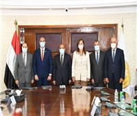 وزيرا التخطيط والتنمية المحلية يشهدان مراسم توقيع عقد إقامة أول مجمع صناعي بالفيوم