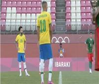 بعد التعادل سلبيًا في الوقت الأصلي.. البرازيل والمكسيك يحتكمان للوقت الإضافي