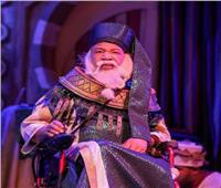 شريف دسوقي بكرسي متحرك يخطف القلوبفي مسرحية «ياما في الجراب يا حاوى»