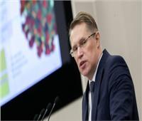 وزير الصحة الروسي: البيانات حول وضع شريحة أثناء التطعيم ضد كورونا «هراء»