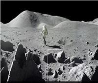 لأول مرة.. العثور على جليد مائي على القمر