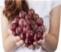 لهذه الأسباب.. تناولي العنب الأحمر طوال فترة الحمل