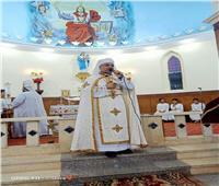 الأنبا عمانوئيل يترأس صلاة القداس بكنيسة سلطانة الملائكة بالطويرات