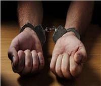 حبس عامل بمحل ملابس ادعى سرقته 4 أيام