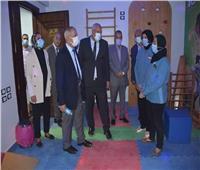 رئيس الأكاديمية العربية للعلوم يزور مركزا لتأهيل ذوي الاحتياجات في الوادي