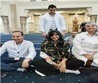 بـ«ابتسامة محبة».. وزيرة الهجرة ترتدي الحجاب وتتجول بمسجد الفتاح العليم| فيديو