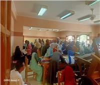 زحام فى أول أيام تقديم لمدارس التمريض بإدفو