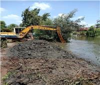 شاهد  كادت أن تغرق قريتين.. منع «كارثة» بسبب فيضان النيل في رشيد
