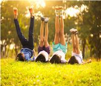 اللعب تحت أشعة الشمس يحمي الأطفال من هذا المرض