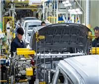 بلومبرج: النقص في رقائق صناعة السيارات لم ينتهِ بعد
