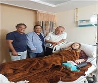 خاص | أشرف زكي يكشف حالة نهال عنبر بعد إصابتها بارتجاج في المخ