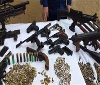 الأمن يلقى القبض على 8 متهمين بحوزتهم أسلحة نارية و«بانجو» فى أسوان