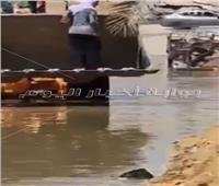 فيديو وصور   كسر بـ«ماسورة صرف» تغرق شوارع «التجمع الأول»