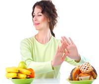 خبيرة تغذية: الامتناع عن الطعام لا يؤدي إلى التخسيس