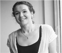 كارين جينينجز:  لم أخطط لكتابة أسطورة وبطلى شخص عادى