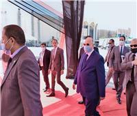 محافظ القاهرة يصل موقع اصطفاف معدات النظافة الجديد