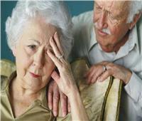 النساء أكثر عرضة للإصابة بمرض ألزهايمر.. لهذا السبب