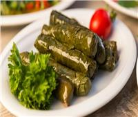 من المطبخ الأردني.. طريقة عمل ورق العنب بدبس الرمان والبن
