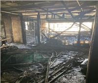 المعمل الجنائي يفحص موقع حريق شركة بالمهندسين