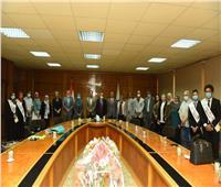 رئيس جامعة أسيوط يستقبل وفدا من إدارة مشروعات تطوير التعليم العالي