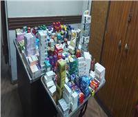 بالفيديو ضبط أدوية مهربة داخل مخزن صيدلية بحدائق القبة