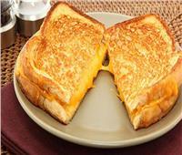 للأمهات  إحذرٍ ساندويتش «الجبنة السايحة» في الميكروويف.. يسبب السرطان