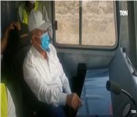 شاهد   وزير النقل يستقل بنفسه جرار اختبارات أعمال السكة لمشروع قطار LRT