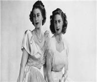 نساء القصر الملكي.. إليزابيث ترقص مع الخادم والساعي معجب بمارجريت