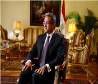 «العناني»: علاج السائح المصاب بكورونا مجانا في مصر