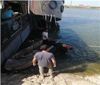 لجنة فنية من هيئة قناة السويس تعاين المركب الجانح بالمنصورة
