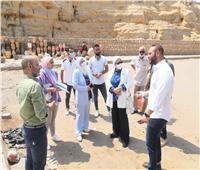 محافظة القاهرة تبحث إقامة معرض لمنتجات قرية الفواخير
