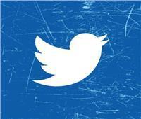 تطبيق تويتر يختبر ميزة جديدة تتيح إضافة ملصقات ونصوص للتغريدات