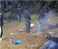بالفيديو ..البرودة تقتل سيدةعراقية على حدود بولندا