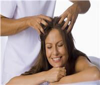 6 فوائد مذهلة لتدليك فروة الرأس.. أبرزها: الاسترخاء وعلاج الصداع