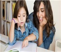 مع دخول المدرسة .. 10 حيل لمساعدة طفلك على التركيز أثناء المذاكرة