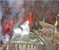 مشاهد مرعبة.. يعيشها سكان إسبانيا بسبب اندلاع الحمم البركانية  صور