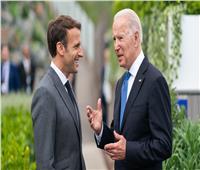 ماكرون يقرر عودة السفير الفرنسي إلى واشنطن