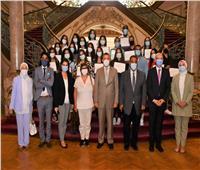رئيس جامعة عين شمس يستقبل ممثلى برنامج الشراكة بين جامعة بواتييه بفرنسا وكلية التجارة