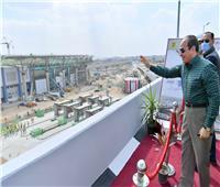 الرئيس يتفقد أعمال توسعة الدائري بمنطقة محور جيهان السادات ويوجه بالالتزام بالجداول الزمنية