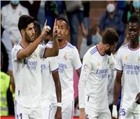«بنزيما وأسينسيو» على رأس تشكيل الريال أمام فياريال في الليجا الإسبانية