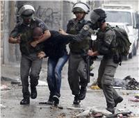 الاحتلال الإسرائيلي يعتقل شابا فلسطينيا في الخليل عقب الاعتداء عليه بالضرب