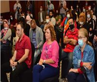 صور   إلهام شاهين: بتسلطن لما بتفرج على خالد الصاوي